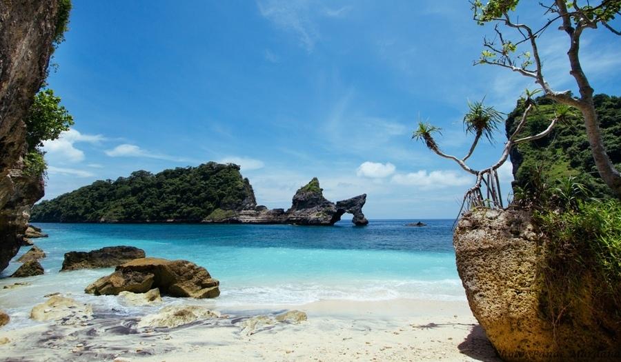 Pantai Atuh Nusa Penida@daytripnusapenida.com