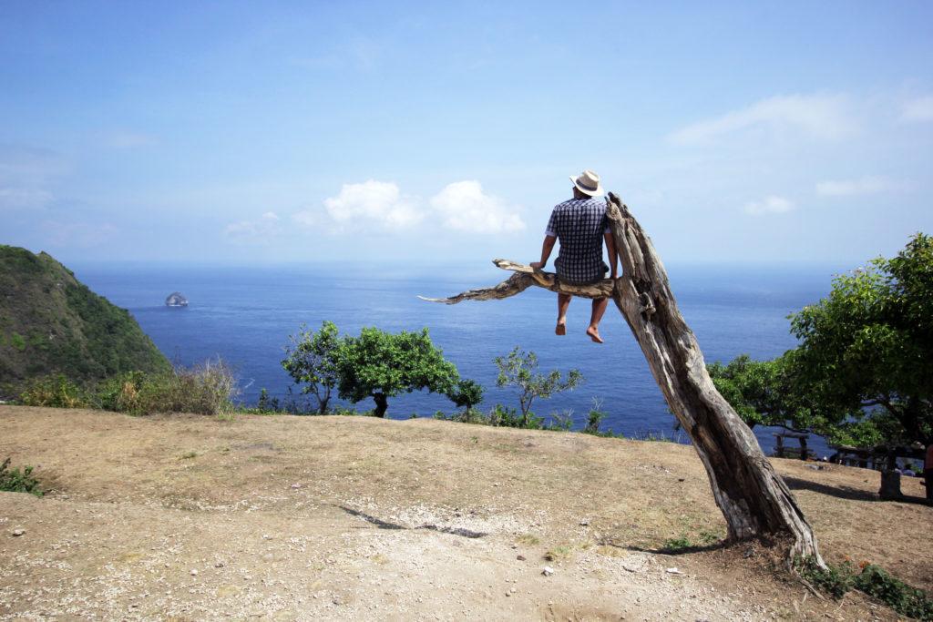 Pohon Cinta Mati Nusa Penida@daytripnusapenida.com